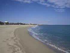 swimming holidays - beach